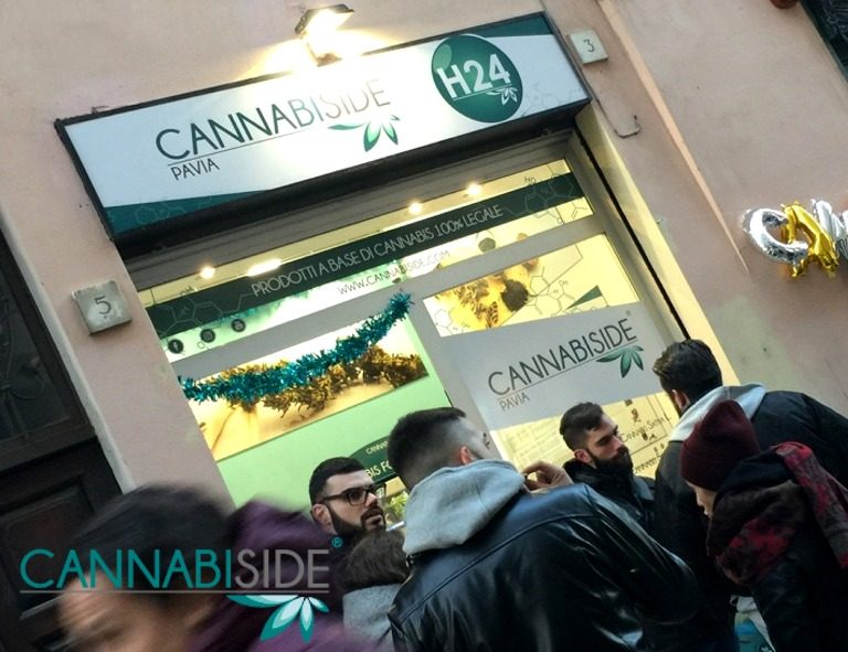 Esterno Franchising CannabiSide Pavia