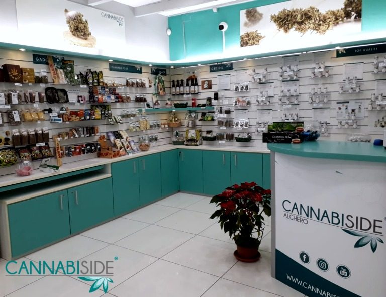Interno Negozio CannabiSide