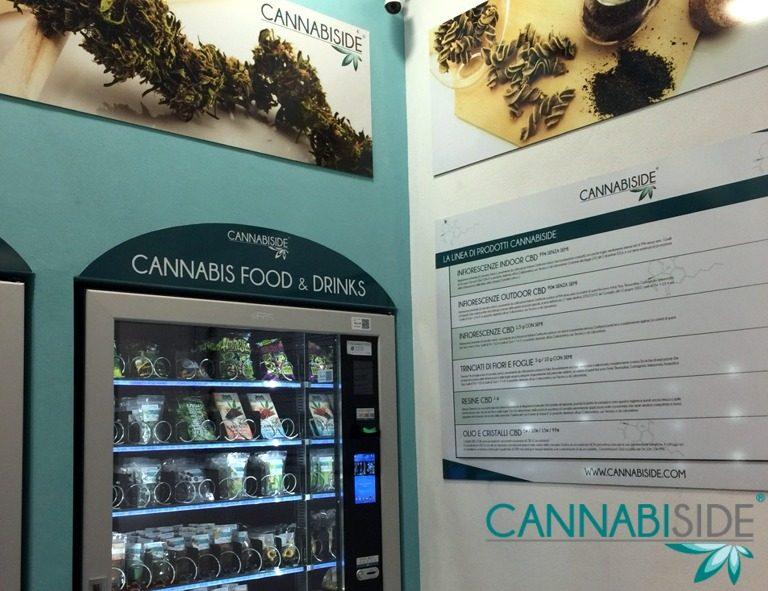 Interno Negozio H24 CannabiSide, Dettaglio Distributore Automatico Cannabis Light